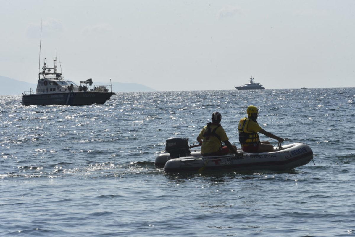 Εντοπίστηκε καμένο πτώμα στη θάλασσα ανοιχτά της Γλυφάδας