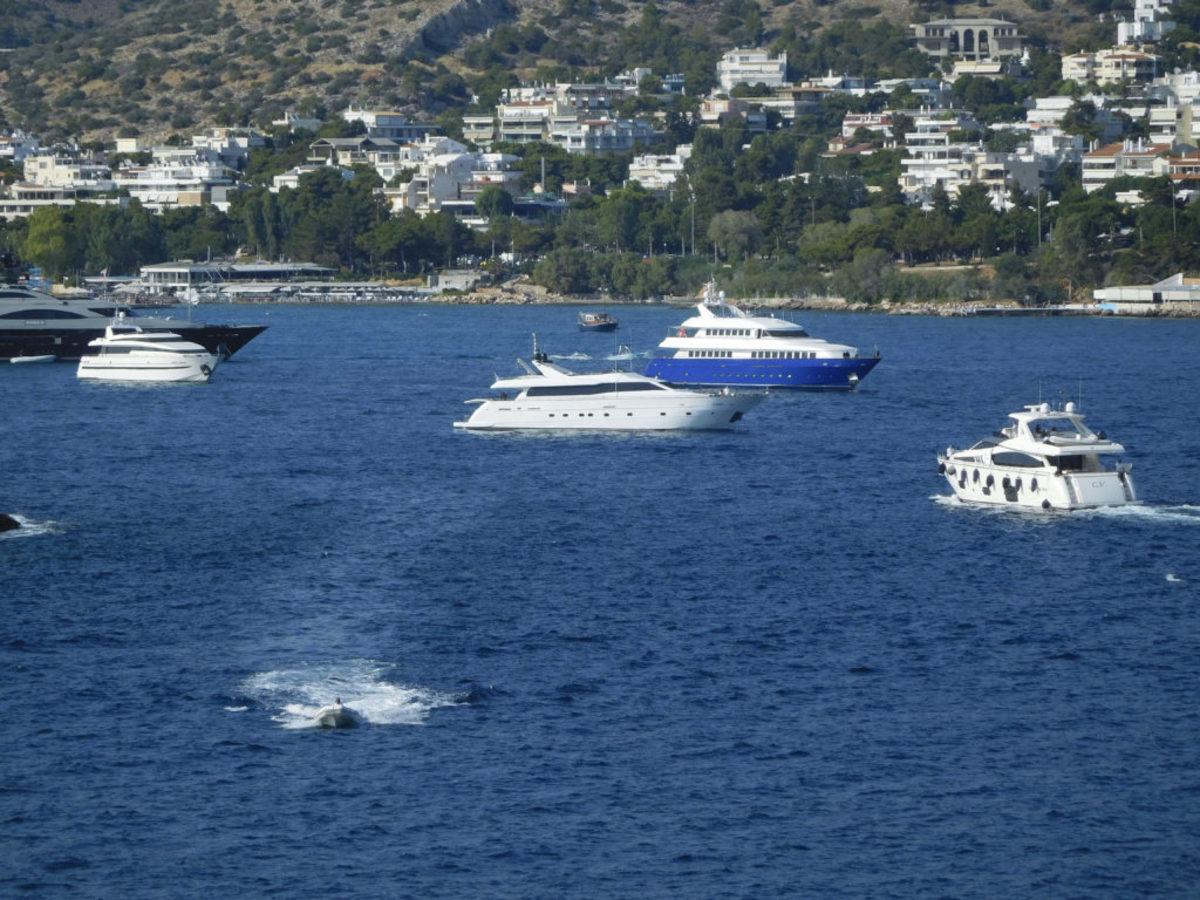 Επικίνδυνος! Οδήγησε μεθυσμένος το σκάφος του στα Λιχαδονήσια και προκάλεσε πανικό