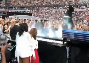 Μισέλ Ομπάμα: Με καυτό σορτσάκι στη συναυλία της Beyonce