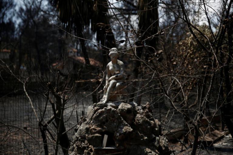Spiegel: Με γλώσσα που τσακίζει αναφέρεται στις πυρκαγιές – Συνηθισμένα τα αυθαίρετα και οι εμπρησμοί!