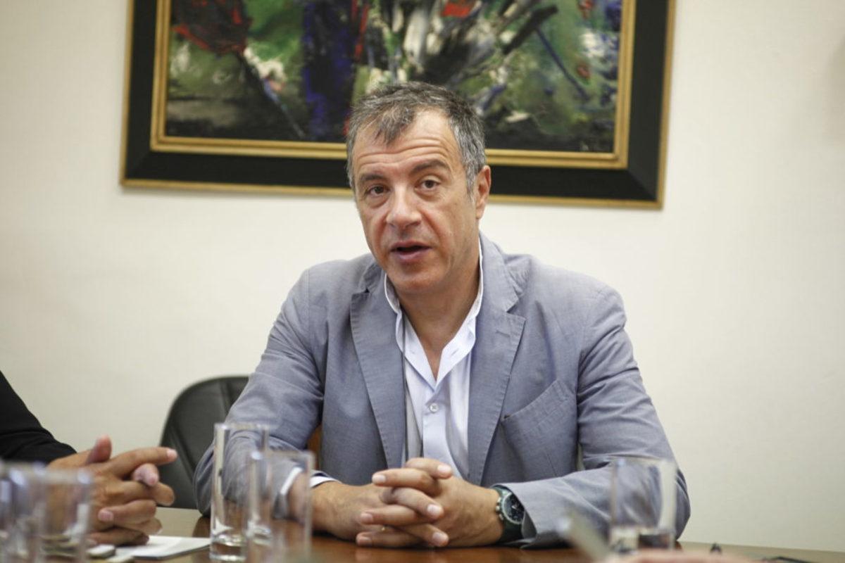 Θεοδωράκης για Μάτι: Υπουργοί, Γενικοί και αρχηγοί πρέπει να φύγουν