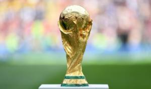 Μουντιάλ 2018: Ένας παγκόσμιος πρωταθλητής και μια καλλονή θα φέρουν το τρόπαιο στον τελικό [pic]