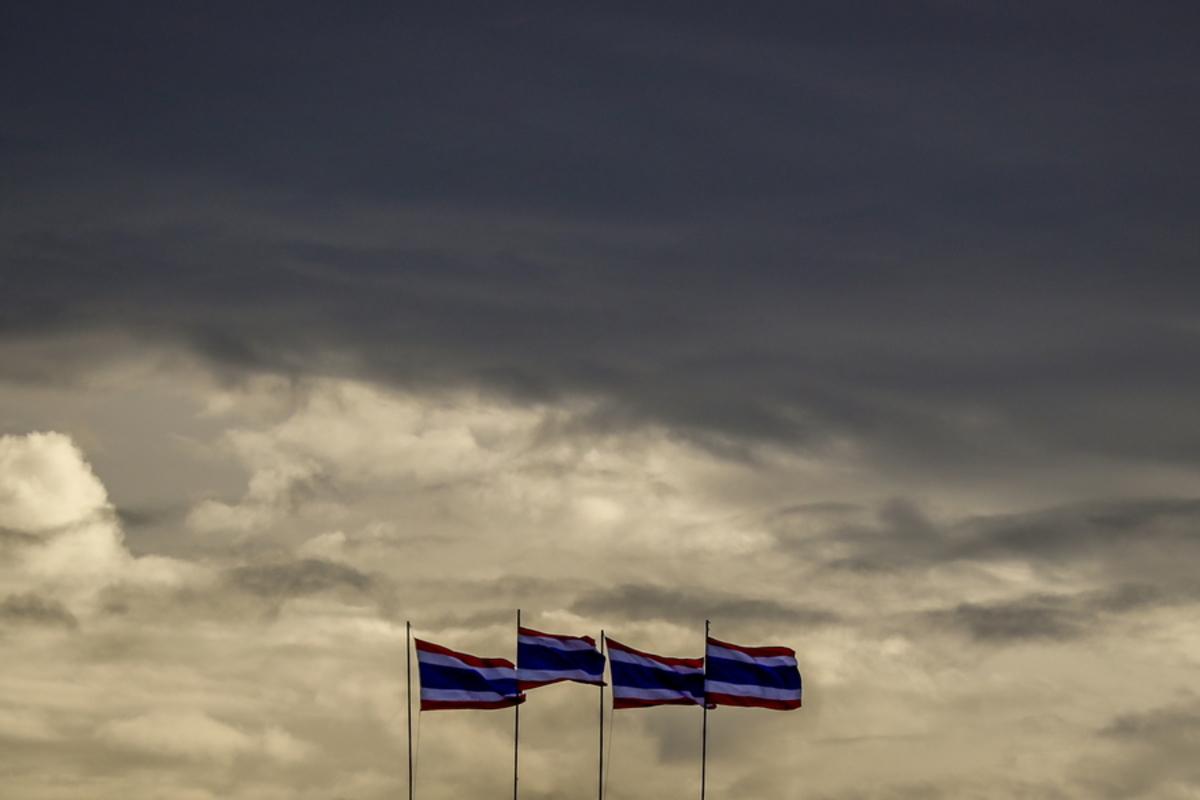 Ταϊλάνδη: Ναυάγιο τουριστικού σκάφους στο Πουκέ – Δεκάδες αγνοούμενοι [pics]