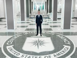 """Περισσότερος… μανδύας, λιγότερο """"μαχαίρι""""! Στα άδυτα της CIA o Ντάνιελ Κρεγκ [pic]"""
