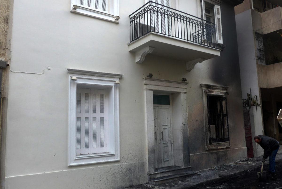 Νέα καταδρομική επίθεση στο σπίτι του Φλαμπουράρη στα Εξάρχεια