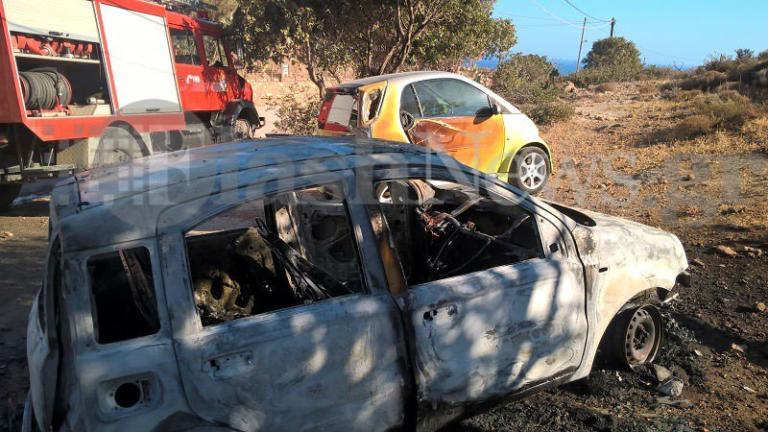 Χανιά: Αυτοκίνητο τυλίχθηκε στις φλόγες στο Ελαφονήσι – Η κινητοποίηση κοντά στη διάσημη παραλία [pics]