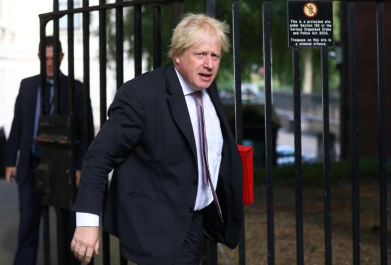 Τζόνσον: Η συμφωνία για το Brexit θα μας μετατρέψει σε αποικία!