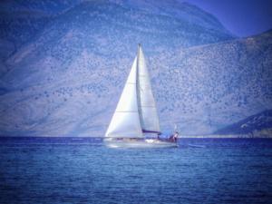 """Η Telegraph """"υποκλίνεται"""" στα ελληνικά νησιά"""