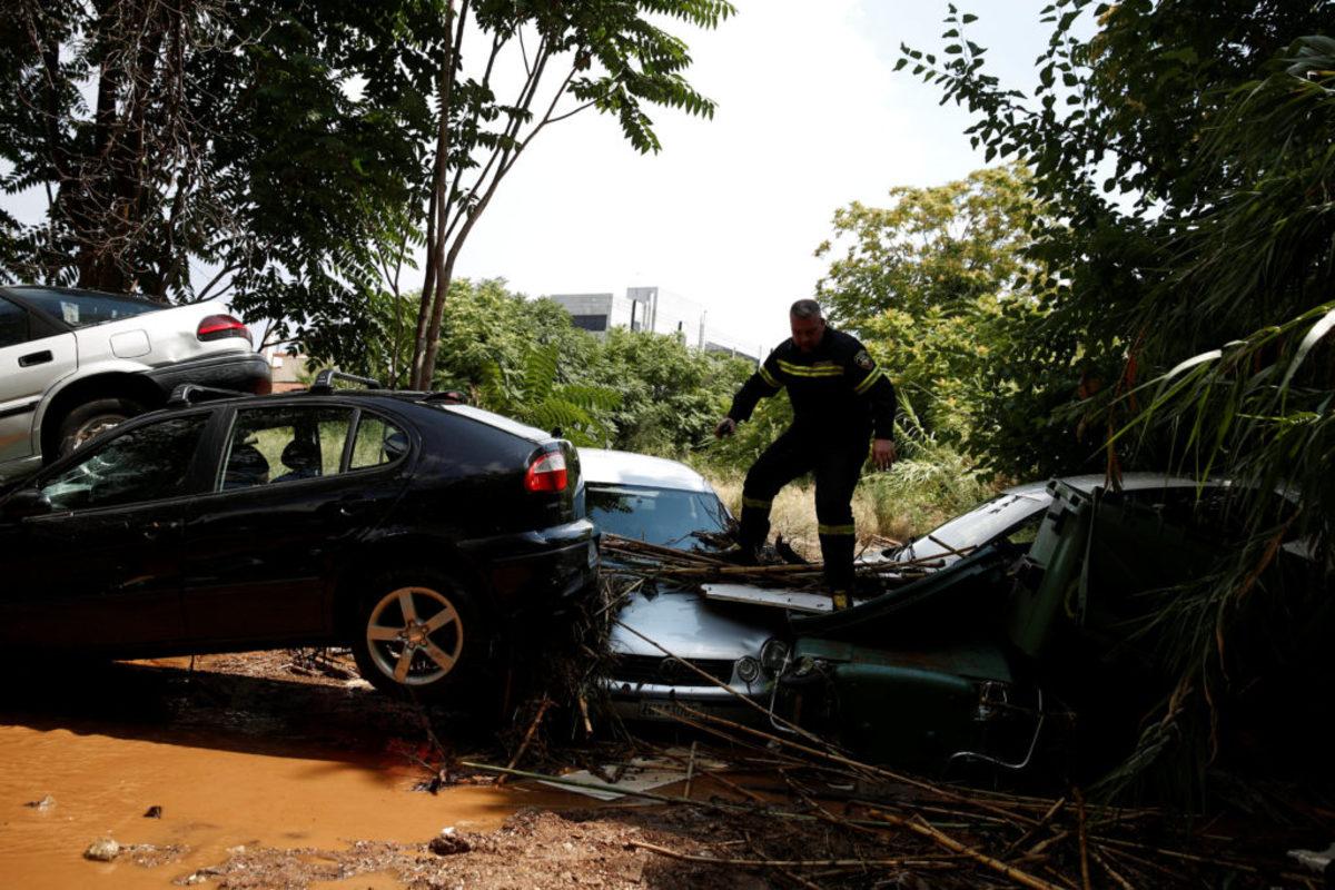 """Το Μαρούσι """"πνίγηκε"""" από 44 χιλιοστά βροχής! 100 χιλιοστά έπεσαν στα βόρεια προάστια μέσα σε δυο ώρες"""