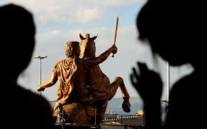 """Μέγας Αλέξανδρος, Έλληνας ή """"Μακεδόνας; Η προκλητική… απορία Τούρκου δημοσιογράφου – video"""