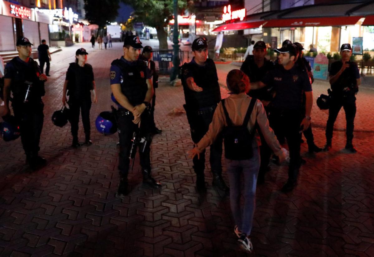 Συνελήφθησαν δυο Βρετανοί στην Τουρκία! Τους κατηγορούν για τρομοκρατική προπαγάνδα