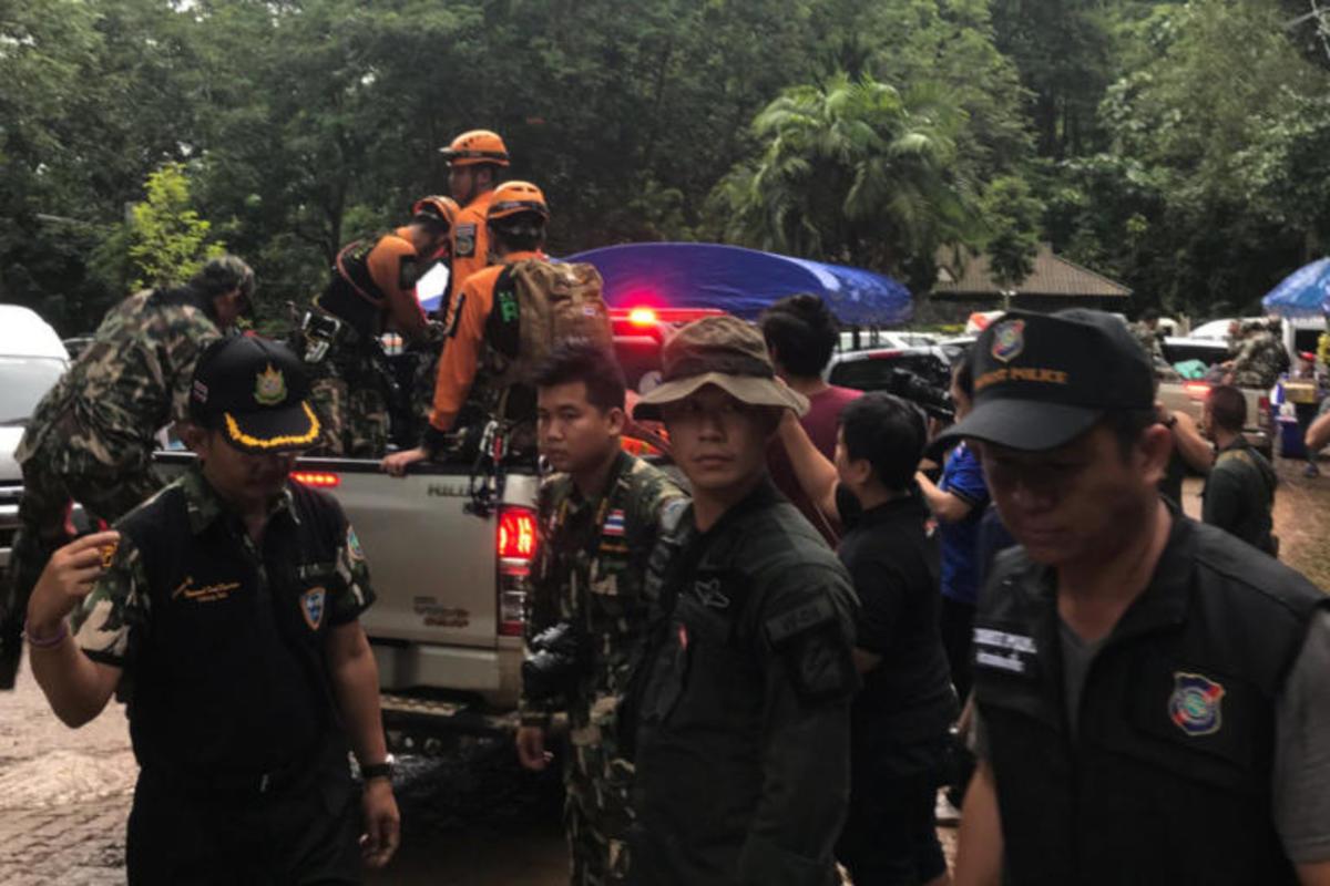 Ταϊλάνδη: Βρέθηκαν ζωντανά και τα 12 παιδιά της ποδοσφαιρικής ομάδας που είχε χαθεί σε σπηλιά