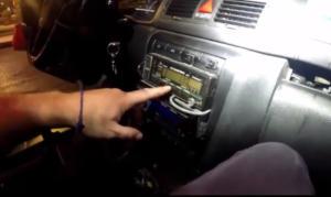 """Έτσι """"πειράζουν"""" τις ταμειακές μηχανές οι οδηγοί ταξί – Βίντεο της ΕΛΑΣ δείχνει βήμα-βήμα την διαδικασία"""