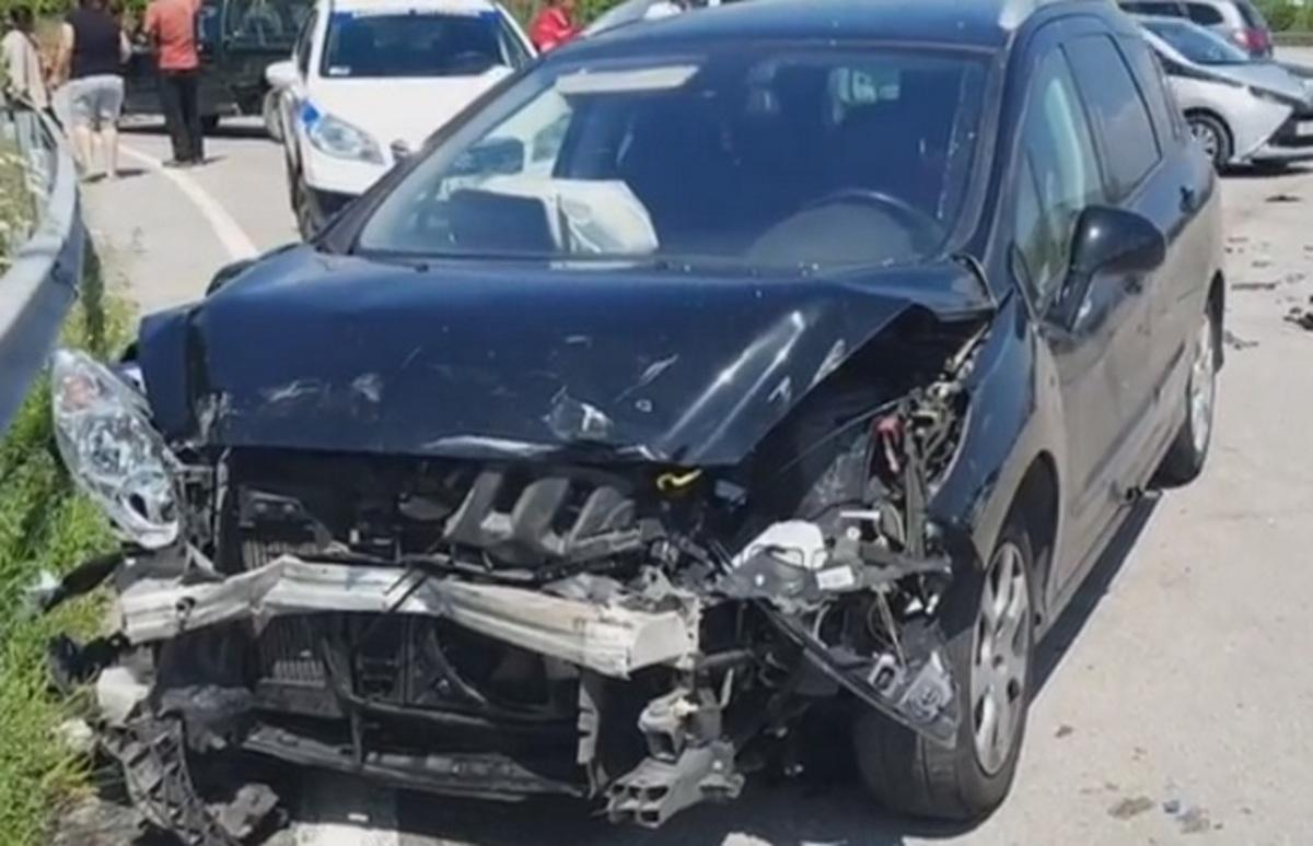 Αργολίδα: Νέο τροχαίο σε διασταύρωση – Στο νοσοκομείο τρία παιδιά που βρίσκονταν μέσα στο αυτοκίνητο – video