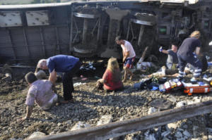 Τουρκία: 10 νεκροί και 73 τραυματίες από τον εκτροχιασμό του τρένου στα σύνορα με την Ελλάδα