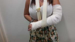 Λάρισα: Κοίταξε την ακτινογραφία και έδωσε στη δημοσιότητα τη γνωμάτευση των γιατρών – Η οργή της κοπέλας [pics]