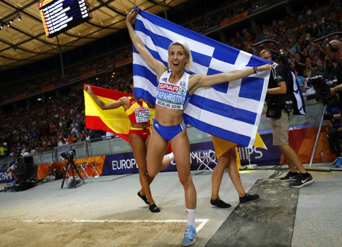 """""""Κυρίαρχη"""" η Παπαχρήστου στο τριπλούν! Χρυσό μετάλλιο για την Ελλάδα – videos"""