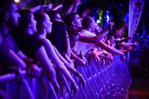 Εφαρμογή δίνει 500 ευρώ σε κάθε 18χρονο για συναυλίες, θέατρο, σινεμά, αθλητισμό στην Γαλλία!