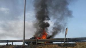 Φωτιά σε αυτοκίνητο στην Εθνική Πατρών – Κορίνθου, τρόμος για τους επιβάτες