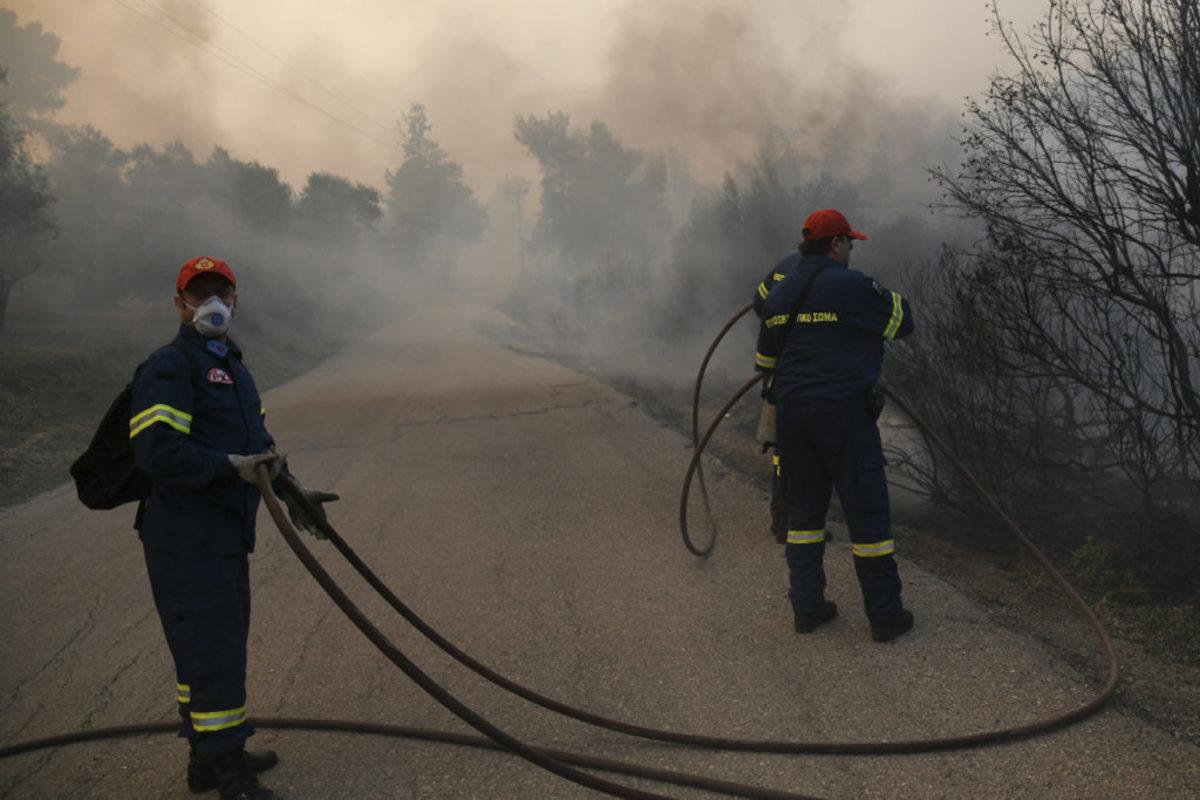 Εύβοια: Δύο μέτωπα σε Κοντοδεσπότι και Πολιτικά – Συνεχίζεται η μάχη με τη φωτιά