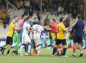 """ΑΕΚ: Κόκκινη στον Λιβάγια μετά τη λήξη! Έρχεται βαριά """"καμπάνα"""""""