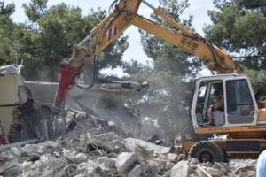 Αρχίζουν οι κατεδαφίσεις αυθαιρέτων σε έξι περιοχές της Αττικής