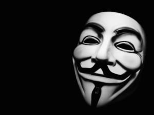 Ληστής… Anonymous! Ο μασκοφόρος χτύπησε δυο φορές τα ΕΛΤΑ