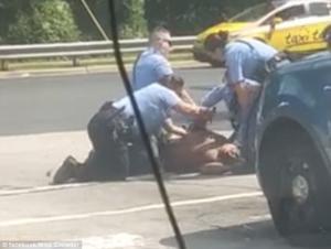 Νέο περιστατικό αστυνομικής βίας στη Βόρεια Καρολίνα – Σκληρές εικόνες! Video