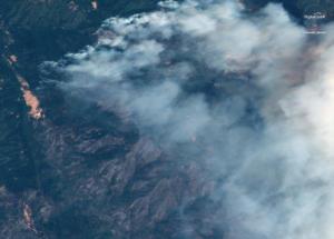 """Καλιφόρνια: 1.210.000 στρέμματα έχουν γίνει στάχτη! Κερδίζουν έδαφος οι πυροσβέστες στη """"μάχη"""" με τις φλόγες [pics]"""