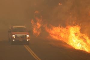 Μεγα-πυρκαγιά καίει την Καλιφόρνια – Η μεγαλύτερη στην ιστορία της πολιτείας