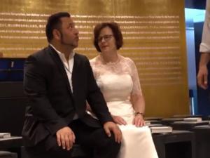 Παντρεύτηκαν στο ολυμπιακό στάδιο του Βερολίνου για να μην… χάσουν το Ευρωπαϊκό στίβου! Video