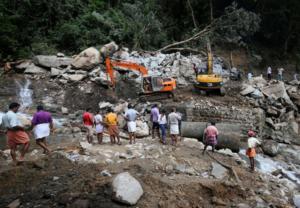 Τραγωδία χωρίς τέλος στην Ινδία: Ξεπέρασαν τους 1.000 οι νεκροί από τις πλημμύρες