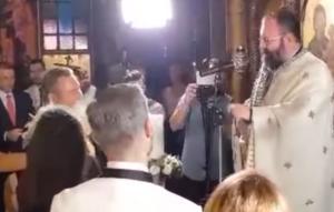 """Βόλος: Ο ιερέας τα """"έψαλε"""" στον Πάνο Καμμένο – Ο γάμος, ο κουμπάρος και το επίμαχο στιγμιότυπο – video"""
