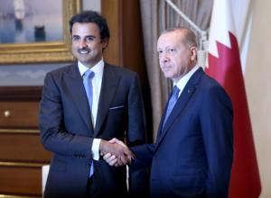 """""""Σανίδα σωτηρίας"""" από το Κατάρ στην τουρκική οικονομία – Θα επενδύσει μόνο… 15 δισ. δολάρια"""