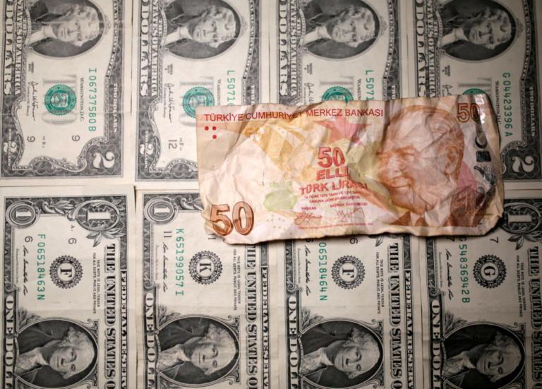 Τουρκική λίρα: Από το κακό στο χειρότερο – Έχασε το 1/4 της αξίας της!