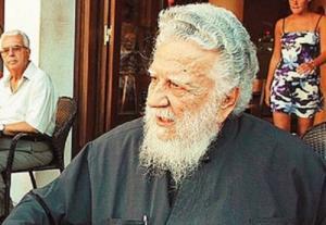"""""""Έφυγε"""" από τη ζωή ο ιερέας που τέλεσε την κηδεία του Καζαντζάκη, παρά την απαγόρευση της Εκκλησίας"""