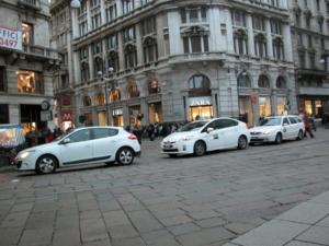 Τσουχτερό πρόστιμο στους οδηγούς ταξί που φορούν βερμούδα!