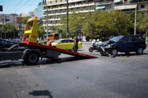 Σύγκρουση Ι.Χ με ασθενοφόρο στο κέντρο της Αθήνας [pics]