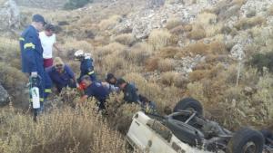 Χανιά: Πάτησε φρένο και βρέθηκε σε χαντάκι – Ο δραματικός απεγκλωβισμός του οδηγού [pics]