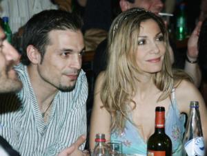 Αλεξανδρούπολη: Πέθανε ο πατέρας του Ντέμη Νικολαϊδη – Στο πλευρό του η Δέσποινα Βανδή!