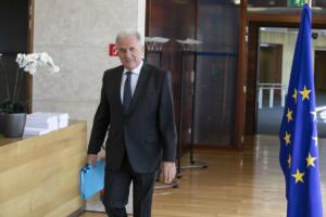 Αβραμόπουλος: Ενίσχυση των συνόρων και της ακτοφυλακής – Τα hotspots κάνουν τη δουλειά τους τέλεια