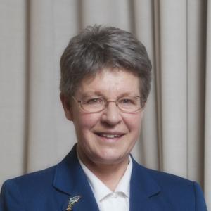 Γυναίκα αστροφυσικός κέρδισε τα 3 εκατομμύρια του βραβείου φυσικής – Πού τα δωρίζει!