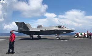F-35: Επίσημη πρώτη των stealth μαχητικών των ΗΠΑ πάνω σε αεροπλανοφόρο! [pics]