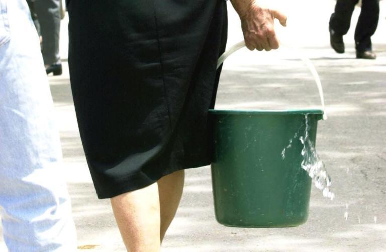 Κρήτη: Έγκυος καθαρίστρια στον ΟΑΕΔ έμαθε… τυχαία ότι είναι ανασφάλιστη λίγο πριν γεννήσει!