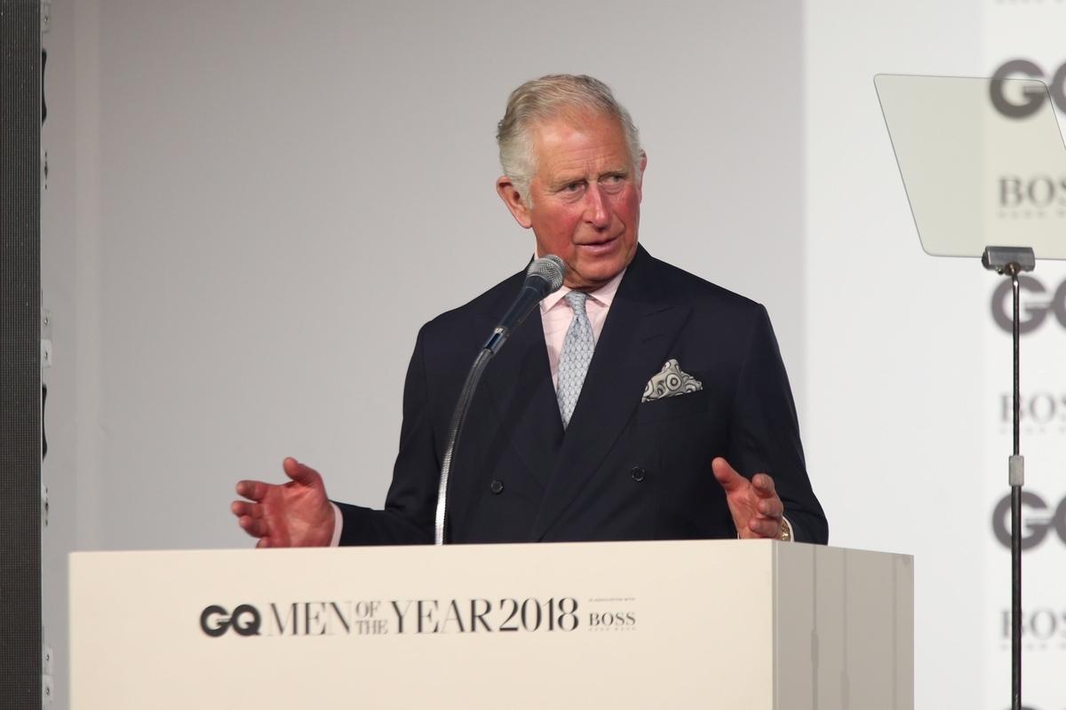 Τίμησαν πρίγκιπα Κάρολο και Ρόουζ Μακ Γκόουαν στα Βραβεία της Χρονιάς του GQ