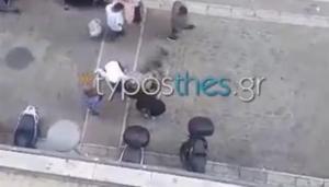 Θεσσαλονίκη: Άγριο ξύλο στο κέντρο της πόλης! – video