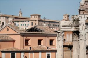 Ούνα φάτσα – άλλη ράτσα! Δεν βάζει χαράτσια για να αντιμετωπίσει την οικονομική κρίση η Ιταλία