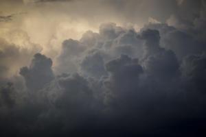 Φλώρινα: Οι πρώτες νιφάδες χιονιού στο Νυμφαίο – Από τα κοντομάνικα στα μπουφάν οι κάτοικοι – Live εικόνα!