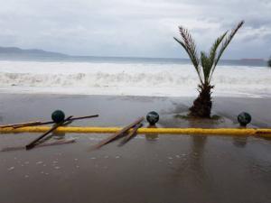 Καλαμάτα: Η θάλασσα βγήκε στη στεριά – Ο μεσογειακός κυκλώνας φέρνει προβλήματα σε Μεθώνη, Κορώνη και Πύλο – video