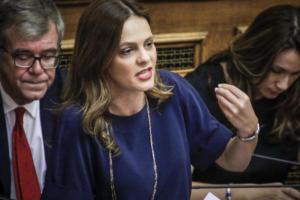 Ψηφίστηκε η τροπολογία για τον κατώτατο μισθό – Μπάχαλο στην ψηφοφορία με τον Ψαριανό